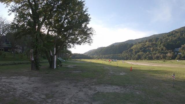 笠置キャンプ場の芝生エリア