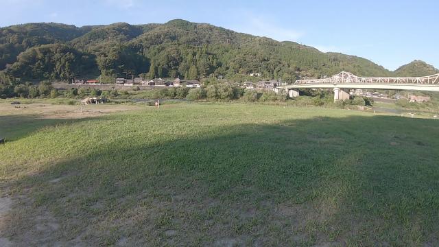 笠置キャンプ場の川沿いエリア