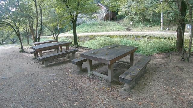 山城町森林公園のテーブル