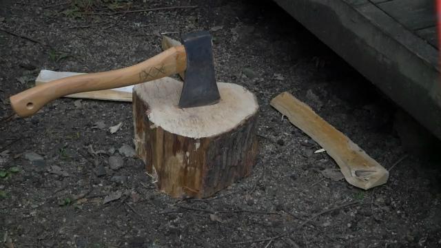 薪割り台を用意する