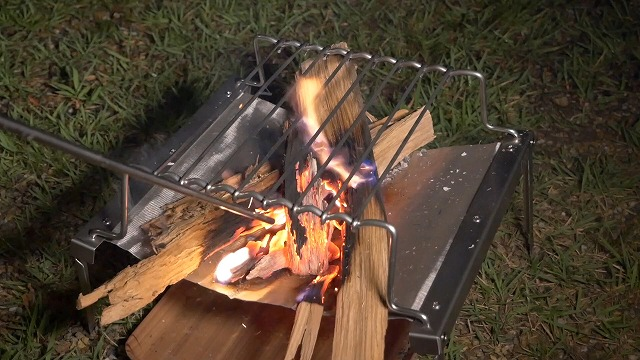 通気性が良いのでよく燃える