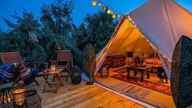 高規格のキャンプ場を使う